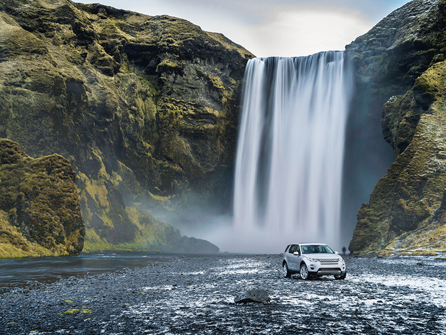 Nahe der Hauptstadt und höchst beeindruckend: der Wasserfall Skógarfoss.